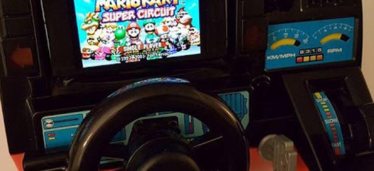 Un jouet Fun-to-Drive de Playmates Toys transformé en borne OutRun