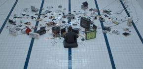 James Houston - l'homme orchestre au vieux matériel informatique