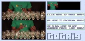 Le thème de Tetris joué avec des verres de vin