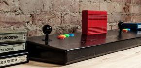 Une Neo Geo toute de bois vêtue pour 1500$ - le prix de la beauté