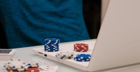 Comment bien choisir un site pour jouer au blackjack en ligne ?