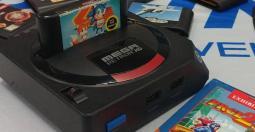 Hyperkin remet ça avec la MegaRetroN HD, un clone SEGA Mega Drive